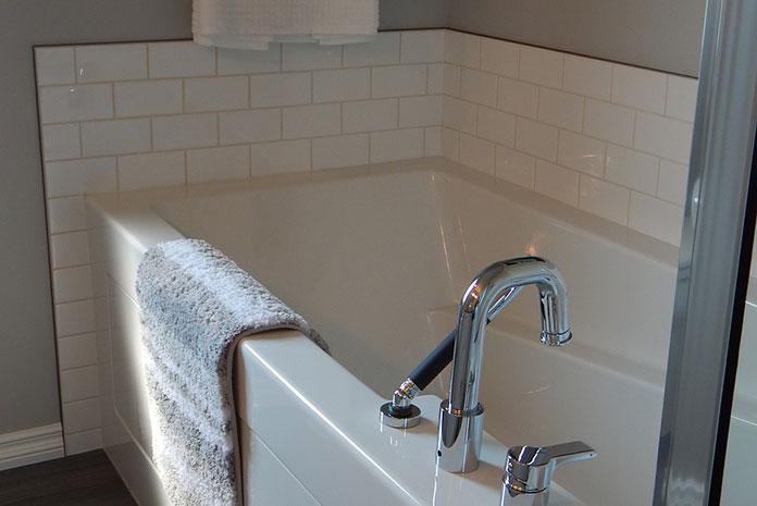 Jak wyposażyć łazienkę dla niepełnosprawnych