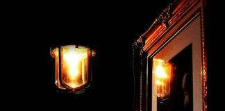 Czy warto zdecydować się na dekoracyjne oświetlenie w domu?