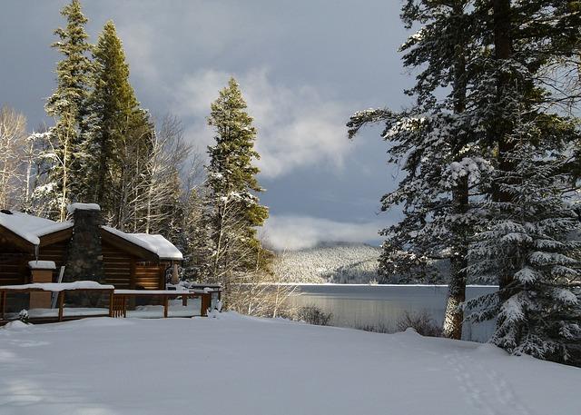 dom i jezioro
