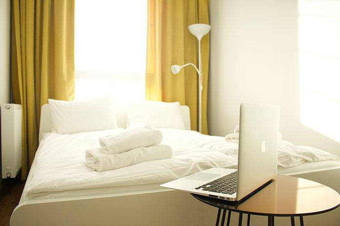 Transparentne, zasłonowe, tapicerskie - które tkaniny wybrać?