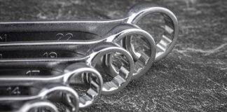 Jaką funkcję pełni matryca w obróbce metali